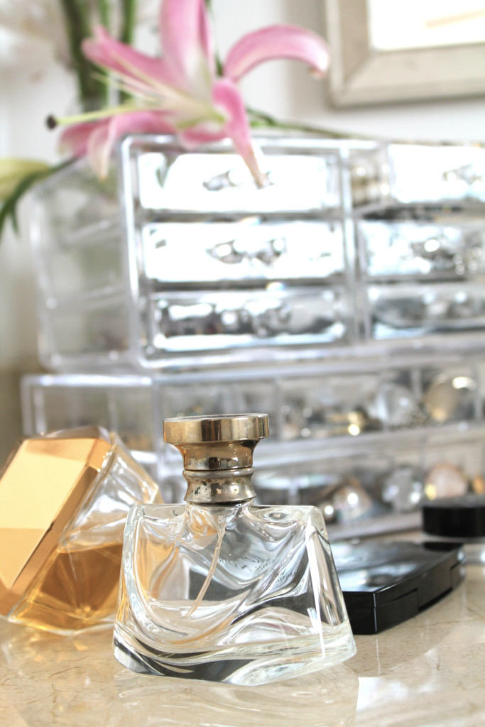 Bathroom-Perfumes-and-Lillies-